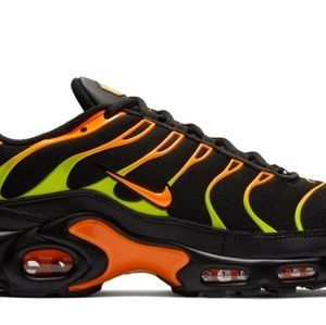 Air Max Plus Black Volt Total Orange 8